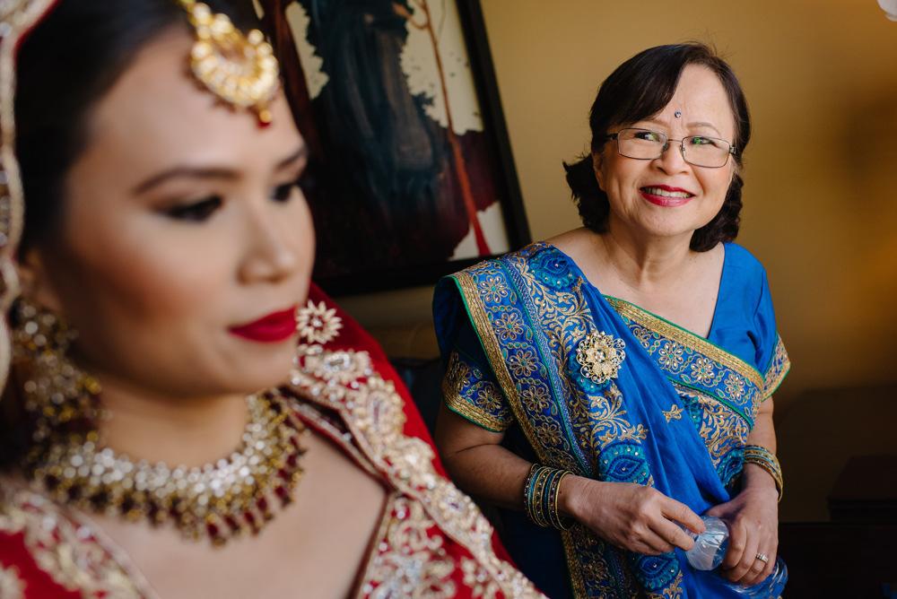 Leanne-krishna-indian-wedding-at-st-regis-houston-photographers-khanhnguyenphotography.com-004