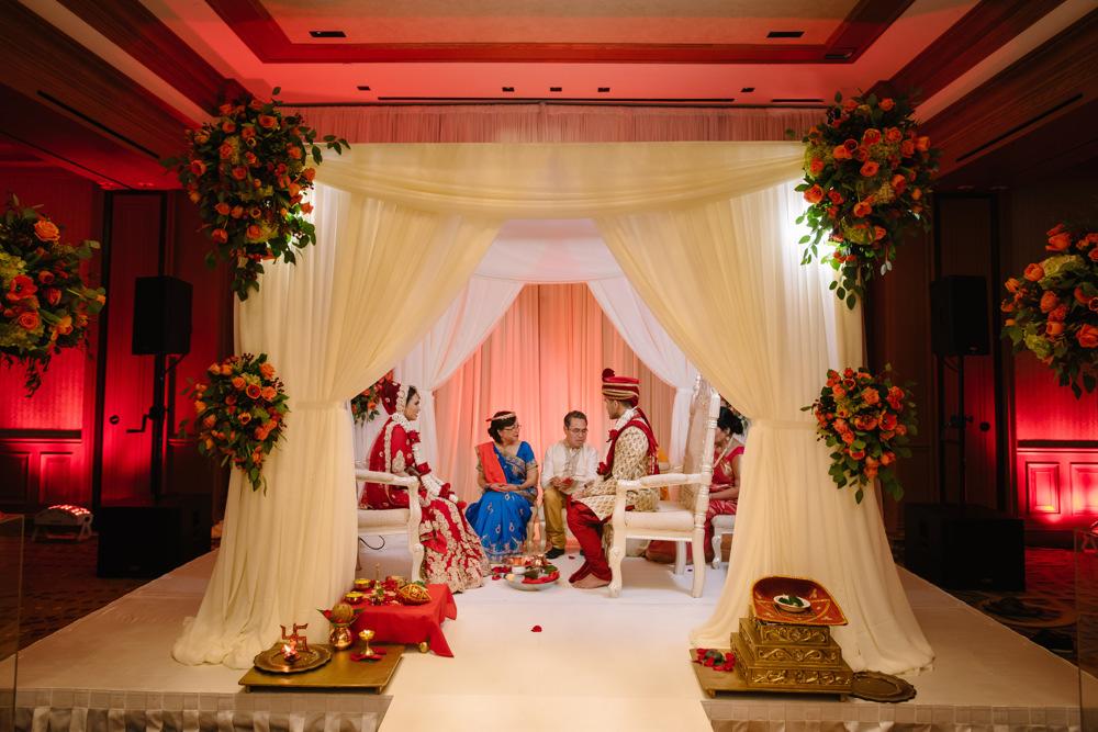 Leanne-krishna-indian-wedding-at-st-regis-houston-photographers-khanhnguyenphotography.com-020