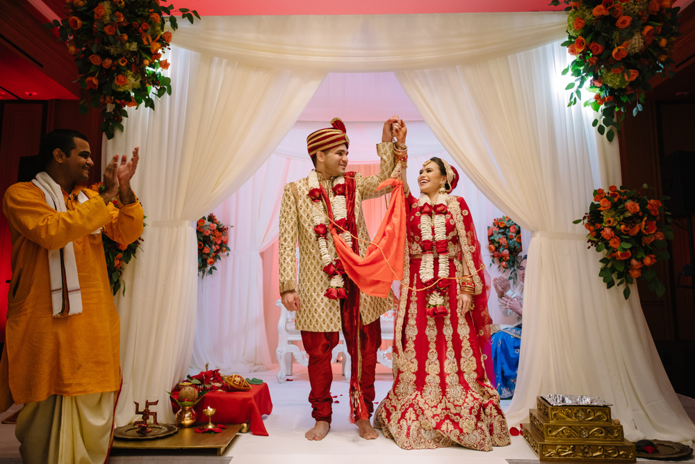 Leanne-krishna-indian-wedding-at-st-regis-houston-photographers-khanhnguyenphotography.com-022