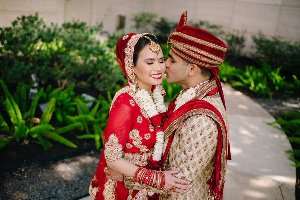 Leanne-krishna-indian-wedding-at-st-regis-houston-photographers-khanhnguyenphotography.com-024